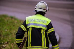 02-04-2016_Ravensburg_Hinstobel_Guelle-Lkw_Unfall_Feuerwehr_Bergung20160402_0025