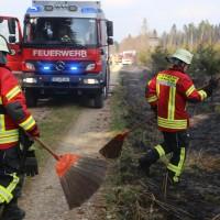 04-04-2016_Biberach_Tannheim_Rot_Waldbrand_Feuerwehr_Poppel20160404_0011