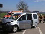 04-04-2016_Unterallgaeu_Groenenbach_UNfall_Abschleppwagen_Pkw_Polizei_Feuerwehr_Poppel20160404_0001
