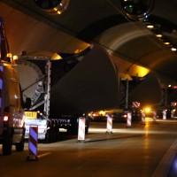 08-04-2016_A96_Erkheim_Stetten_Kohlbergtunnel_Schwertransporte_stecken_fest_Polizei_Poeppel20160408_0022