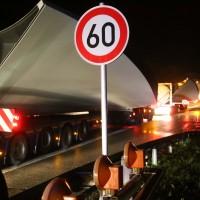 08-04-2016_A96_Erkheim_Stetten_Kohlbergtunnel_Schwertransporte_stecken_fest_Polizei_Poeppel20160408_0069