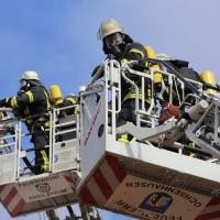 19-04-2016_Biberach_Gutenzell_Brand_Silo_Saegemehl_Feuerwehr_Poeppel20160419_0123