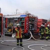 19-04-2016_Biberach_Gutenzell_Brand_Silo_Saegemehl_Feuerwehr_Poeppel20160419_0146