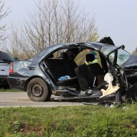 22-04-2016_Unterallgaeu_Kirchdorf_Tuerkheim_Unfall_Feuerwehr_Poeppel20160422_0055