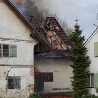 11-05-2016_Memmingen_Hart_Brand_Bauernhof_Feuerwehr_Poeppel_0019