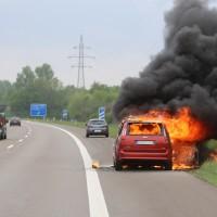 14-05-2016_A7_Berkheim_Dettingen_Pkw-Brand_Feuerwehr_Poeppel_0001