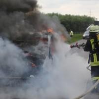 14-05-2016_A7_Berkheim_Dettingen_Pkw-Brand_Feuerwehr_Poeppel_0022