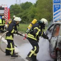 14-05-2016_A7_Berkheim_Dettingen_Pkw-Brand_Feuerwehr_Poeppel_0027
