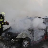 14-05-2016_A7_Berkheim_Dettingen_Pkw-Brand_Feuerwehr_Poeppel_0032
