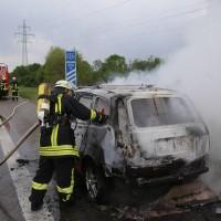14-05-2016_A7_Berkheim_Dettingen_Pkw-Brand_Feuerwehr_Poeppel_0041
