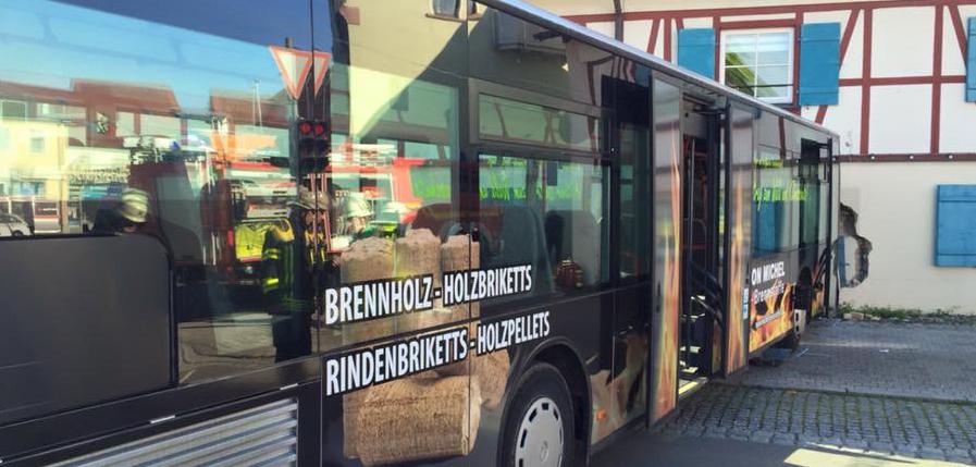 21-05-2016_Weingarten_Bus-Unfall_DRK-Ravensburg_01