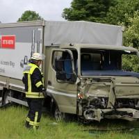 21-06-2016_Unterallgaeu_Ottobeuren_Unfall_Pkw-Lkw-Feuerwehr_Poeppel_0004