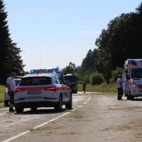 10-07-2016_B12_Isny_Großholzleute_Unfall_Pkw_Schwerverletzte_Rettungsdienst_Polizei_Poeppel_0020