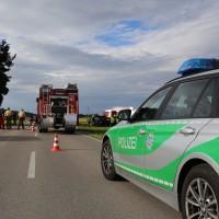 03-08-2016_Unterallgaeu_Ettlingen_Siebnach_Unfall_Pkw_Traktor_Feuerwehr_Poeppel_0024