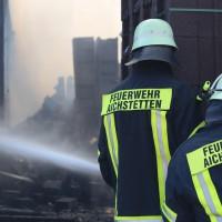 08-08-2016_Ravensburg_Aichstetten_Brand_Buero-Lager_Feuerwehr Poeppel_0024