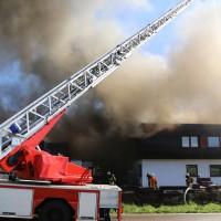 08-08-2016_Ravensburg_Aichstetten_Brand_Buero-Lager_Feuerwehr Poeppel_0038