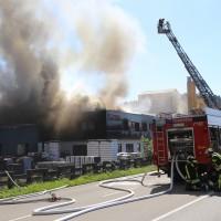 08-08-2016_Ravensburg_Aichstetten_Brand_Buero-Lager_Feuerwehr Poeppel_0040