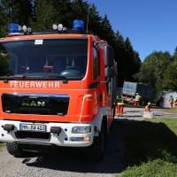 13-08-2016_Untrallgaeu_B18_Kirchdorf_Mindelheim_Brand_Traktor_Feuerwehr_Poeppel_0016