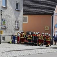 30-08-3016_BY_Unterallgaeu_Heimertingen_B300_MHD_Unfall_ELRD_Hausmauer_Feuerwenr_Poeppel_0021