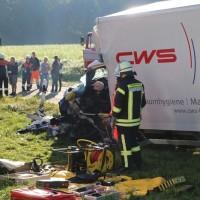 08-09-2016_BY_Unterallgaeu_Babenhausen_Kirchhaslach_Lkw-Unfall_Feuerwehr_Poeppel_0017