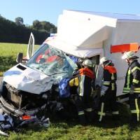 08-09-2016_BY_Unterallgaeu_Babenhausen_Kirchhaslach_Lkw-Unfall_Feuerwehr_Poeppel_0021