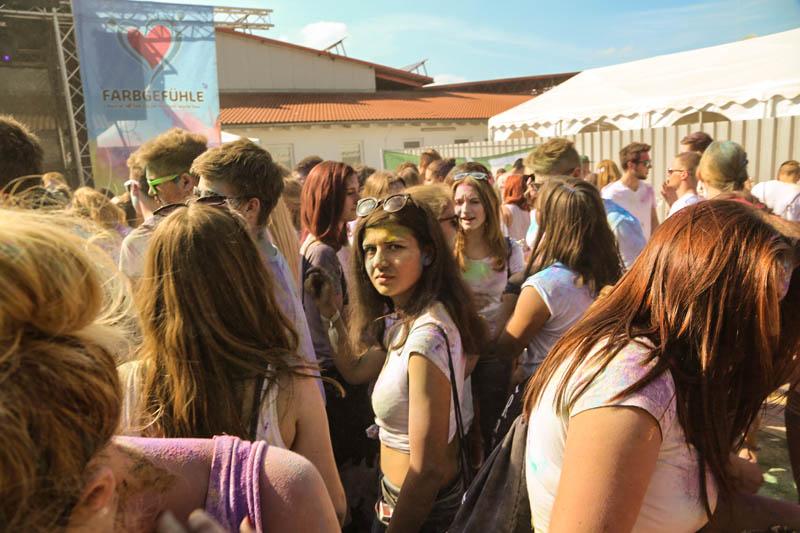 10-09-2016_Farbgefuehle_Memmingen_Memmingerberg_Terminal23_Holi_FarbenPoeppel_0353