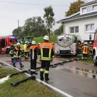 16-09-2016_BY_Unterallgaeu_Legau_Lkw_Unfall_Haus_Feuerwehr_Poeppel_0002