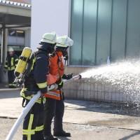 24-09-2016_Biberach_Kirchberg_Brandschutzwoche_Brand-Werkstatt_Feuerwehr_Uebung_Poeppel_0010