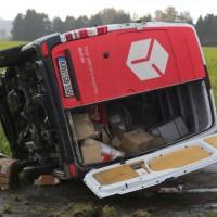 20161110_B16_Salgen_Bronnen_Unfall_Paketdienst_Pkw-Feuerwehr_Poeppel_new-facts-eu015