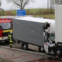20161114_A7_Dietmannsried_Leubas_Kleinlaster_Sattelzug_Unfall_Feuerwehr_Poeppel_new-facts-eu_003