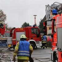 20161127_Biberach_Mittelbiberach_Reute_Brand_Dachstuhl_Feuerwehr_Poeppel_new-facts-eu_046