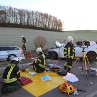 20161129_Biberach_Burgrieden_Bronnen_Frontalzusammenstoss_Feuerwehr_Poeppel_new-facts-eu_011