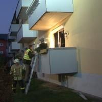 20161129_Lindau_Brand_Wohnung_Mehrfamilienhaus_Feuerwehr_Verletzte_Polizei_Raedler_new-facts-eu_004