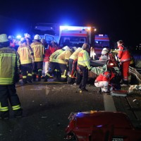 20161208_A96_Leutkirch_Altmannskofen_Geisterfahrer_Unfall_Feuerwehr_Poeppel_new-facts-eu_006