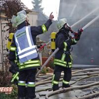20161209_Guenzburg_Ziemetshausen_Brand_Wohnhaus_Feuerwehr_Weiss_new-facts-eu_006