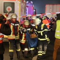 20160101_A7_Groenenbach_Woringen_Unfall_toedlich_Lkw-Pkw_Karambolage_Feuerwehr_Poeppel_0045