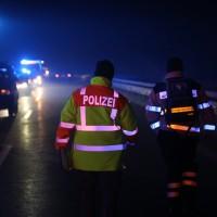 20160101_A7_Groenenbach_Woringen_Unfall_toedlich_Lkw-Pkw_Karambolage_Feuerwehr_Poeppel_0051