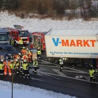 20170110_A96_Woerishofen_Buchloe_Wertach-Parkplatz_Unfall_Lkw-Pkw-Feuerwehr_Poeppel_0002
