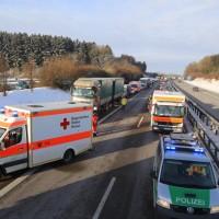 20170110_A96_Woerishofen_Buchloe_Wertach-Parkplatz_Unfall_Lkw-Pkw-Feuerwehr_Poeppel_0016