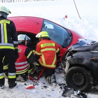 20170116_Ostallgaeu_Unterthingau_Unfall_schneeglaette_Feuerwehr_dedinag_00008