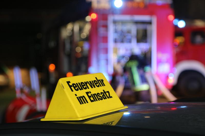 20170208_Unterallgaeu_Boehen_Brand_Lagerhalle_Feuerwehr_Poeppel_0055