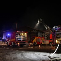 20170208_Unterallgaeu_Boehen_Brand_Lagerhalle_Feuerwehr_Poeppel_0082
