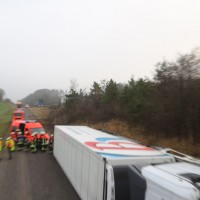 20170324_A96_Weissensberg_Lkw-Unfall_Feuerwehr_Oel_Poeppel_0021