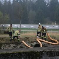 20170324_A96_Weissensberg_Lkw-Unfall_Feuerwehr_Oel_Poeppel_0036