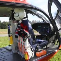 20170330_Ravensburg_Waldburg_Vogt_Pkw_Baum_Unfall_Feuerwehr_Poeppel_0006