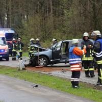 20170417_Biberach_Erolzheim_Edenbachen_toedlicher_Unfall_Feuerwehr_Poeppel_0008