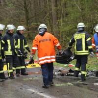 20170417_Biberach_Erolzheim_Edenbachen_toedlicher_Unfall_Feuerwehr_Poeppel_0049