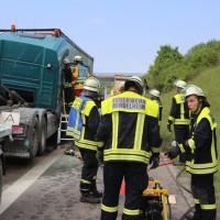 20170530_A96_Mindelheim_Lkw-Unfall_Feuerwehr_Poeppel_0005