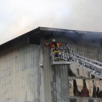 20170617_Ravensburg_Leutkirch_Brand_Lagerhalle_Feuerwehr_Poeppel_0004