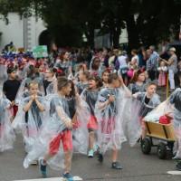 2017-07-20_Memmingen_Memminger_Kinderfest_2017_Umzug_Grundschulen_Poeppel-0058